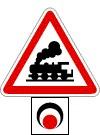 Sorompó nélküli vasúti átjáró fénysorompóval biztosítva
