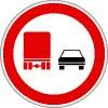 Tehergépkocsival előzni tilos